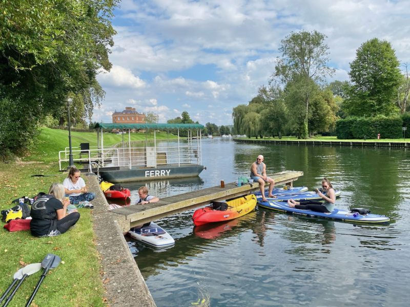 A day on the river with Boat Rental Thames. Image © PlanetSKI