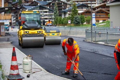 Resurfacing with recycled plastic in Zermatt